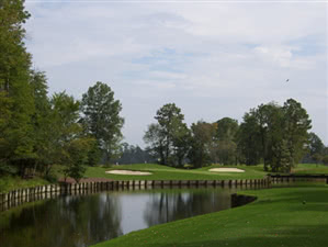 Image of the grounds at Arrowhead Country Club