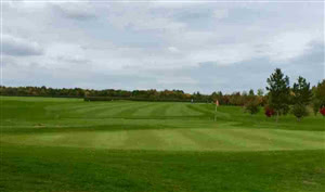 Image of the grounds at Rivenhall Oaks Golf Centre