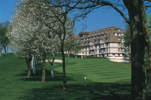 Image of the grounds at Hotel du Golf Barriere